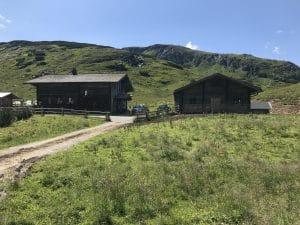 Oberhütte Seitenanblick vom Wanderweg